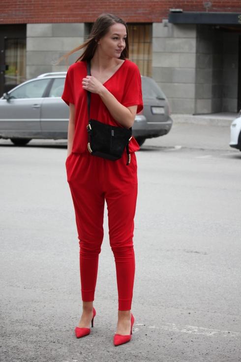mb rød jumpsuit for