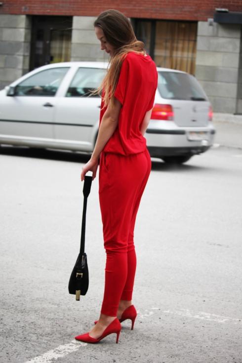 mb rød jumpsuit side