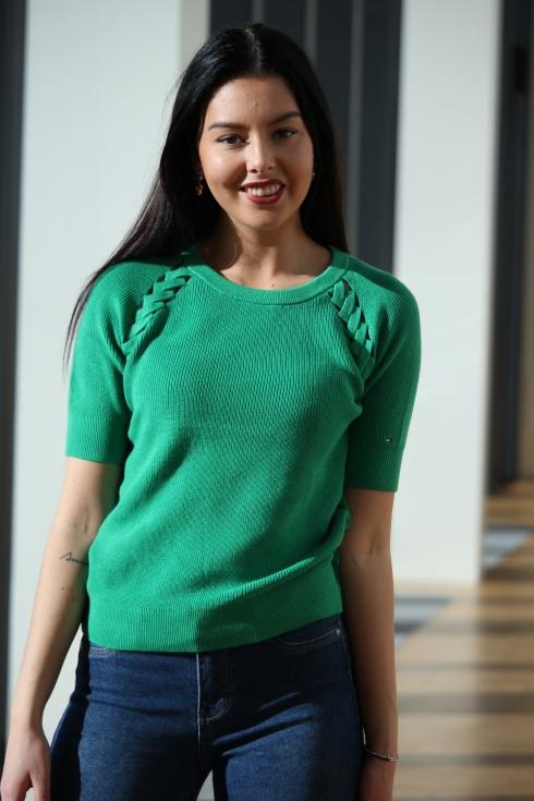 th grønn strikkettee for