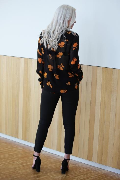 ganni orangesort skjorte bak2