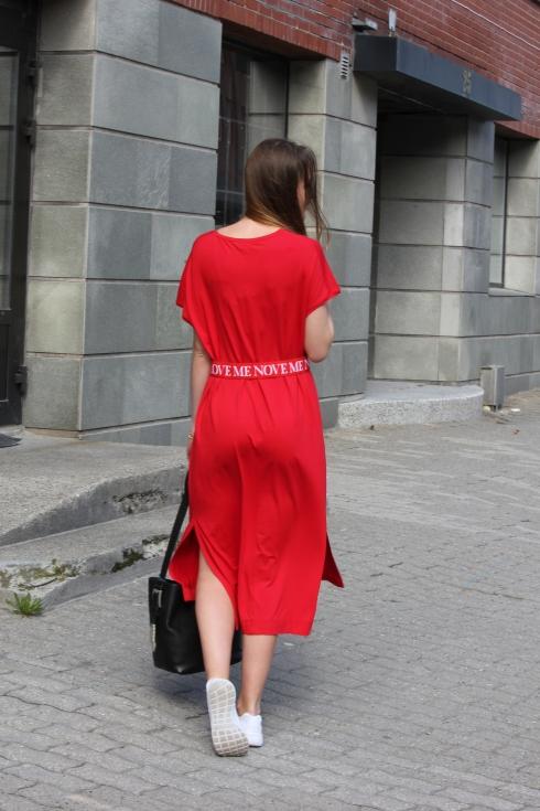 holz rød lang kjole bak