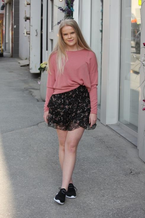 ss rosa tynn genser hel