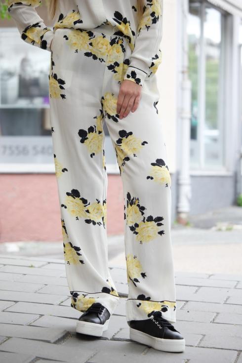 ganni gult sett bukse for