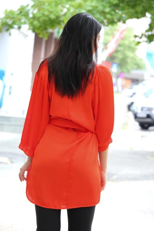 mb rød kjole silke bak