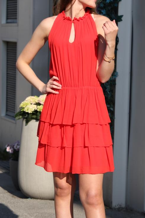 sf rød kjole detalj