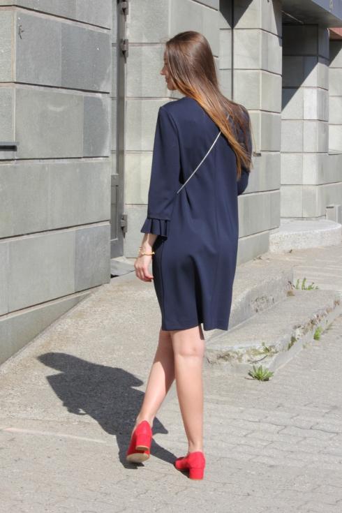 th blå kjole bak